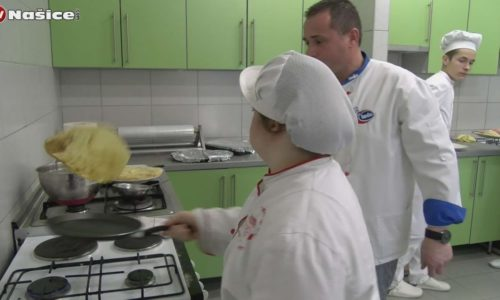 A student with Down Syndrome showed knowledge in pancake baking